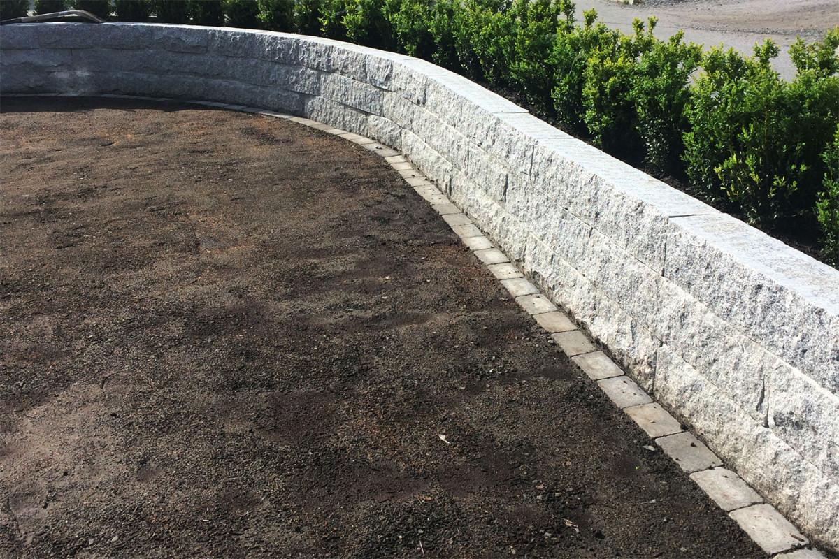 Mur av kalibrert granitt